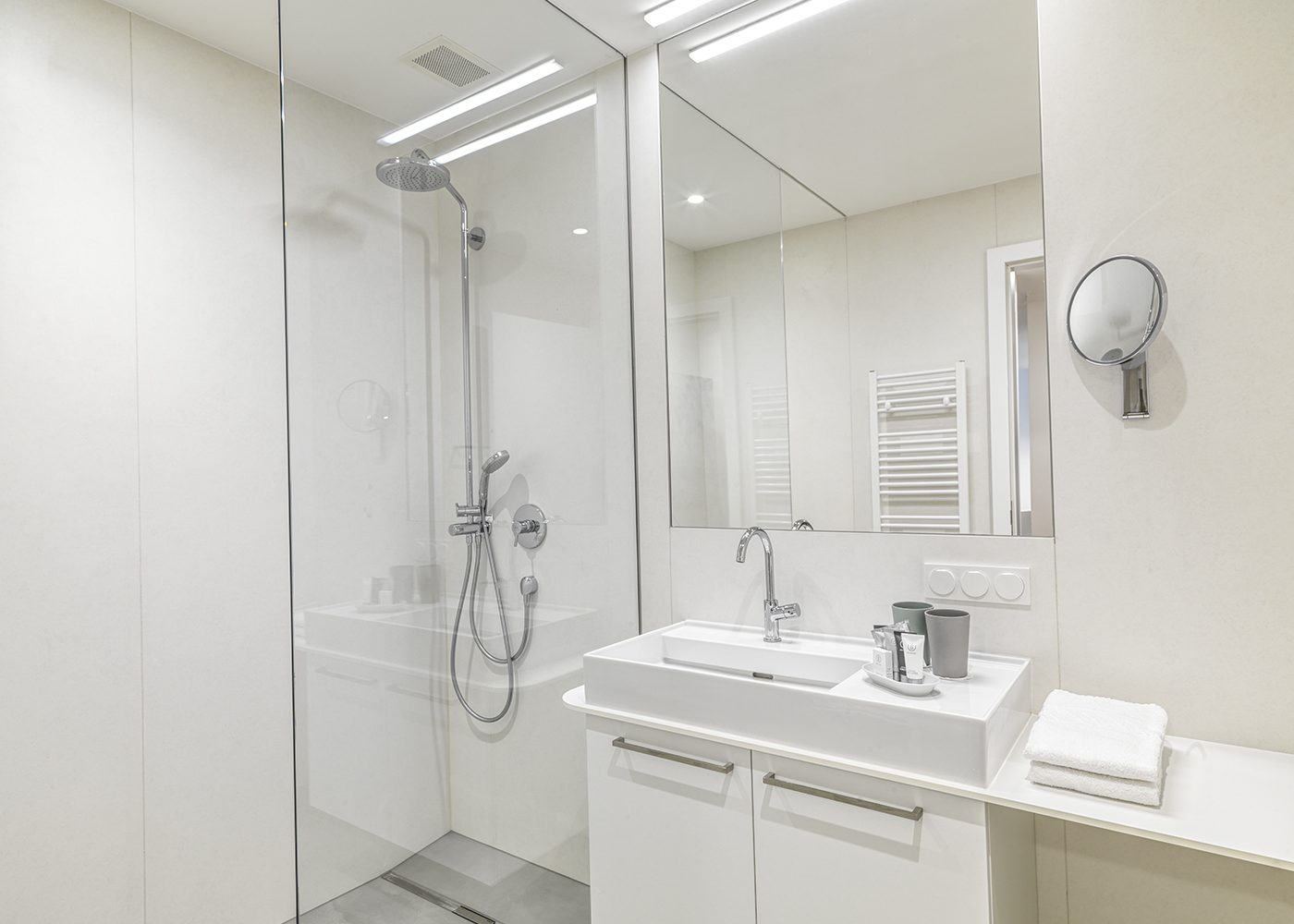 Interior bathroom - shower and sink
